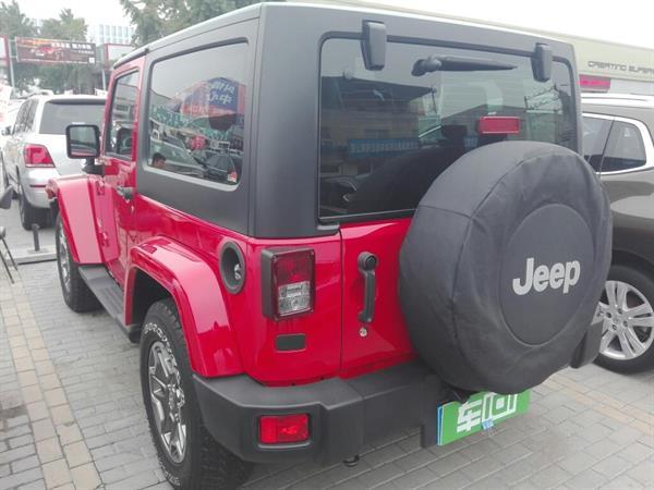 Jeep 牧马人 12款 3.6L 自动 两门Sahara